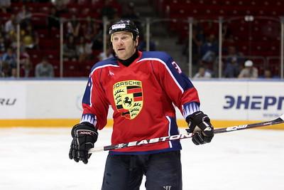 Официальный сайт хоккейного клуба Трактор сообщил о том, что Андрей Николишин отныне будет исполнять обязанности главного тренера команды
