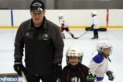 Николай Филиппович Бец воспитал в хоккейной школе
