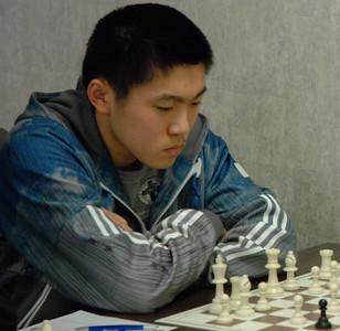 IM Yang-Fan Zhou (e2e4)