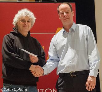 John Nunn accepts his prize from Gordon Brown (Winton Capital)