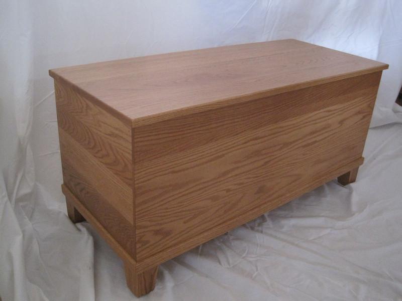 "42"" Cinnamon Oak Lancaster Cedar Chest"