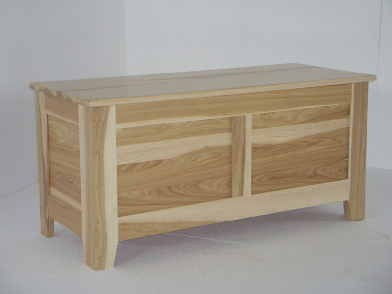 Natural Hickory Shaker Chest