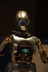 FMC Robot pose at 2010 Atlanta Auto Show