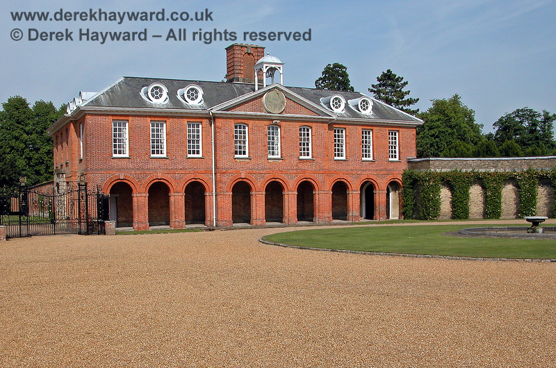 Chevening House, East Wing.  15 06 2003