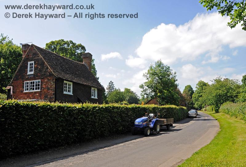 Chevening Estate Cottages.  19.06.2015  12904