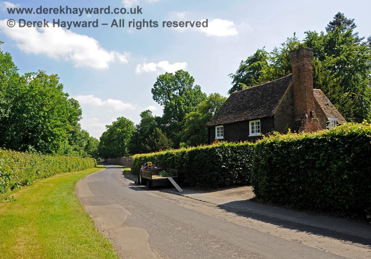Chevening Estate Cottages.  19.06.2015  12903