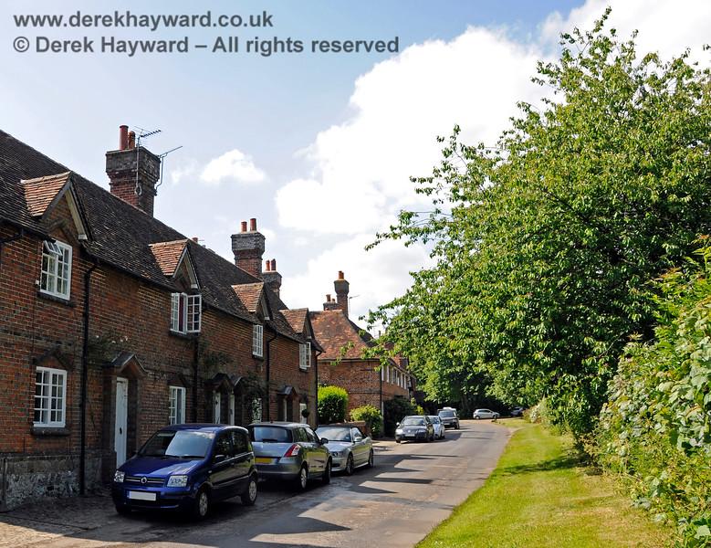 Chevening Estate Cottages.  19.06.2015  12906