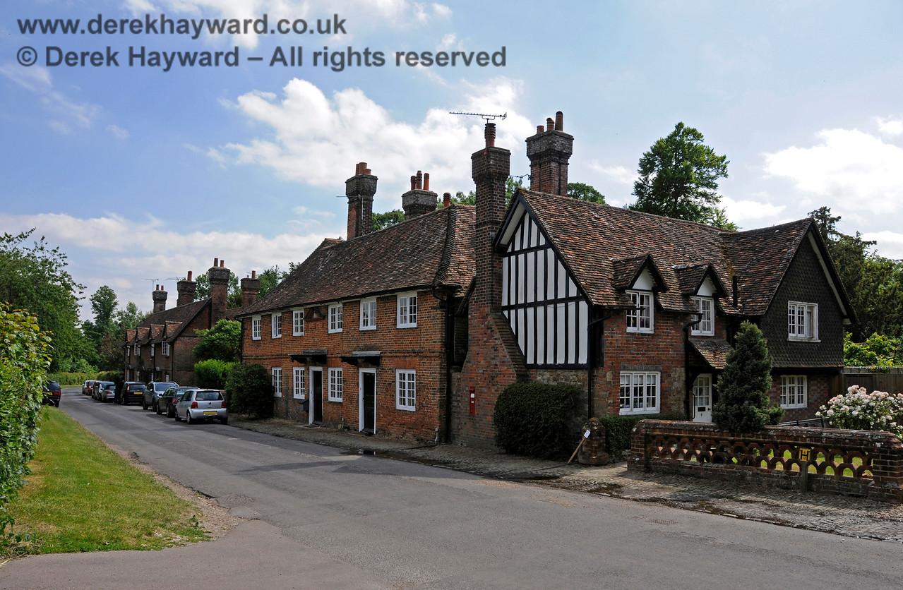 Chevening Estate Cottages.  19.06.2015  12873