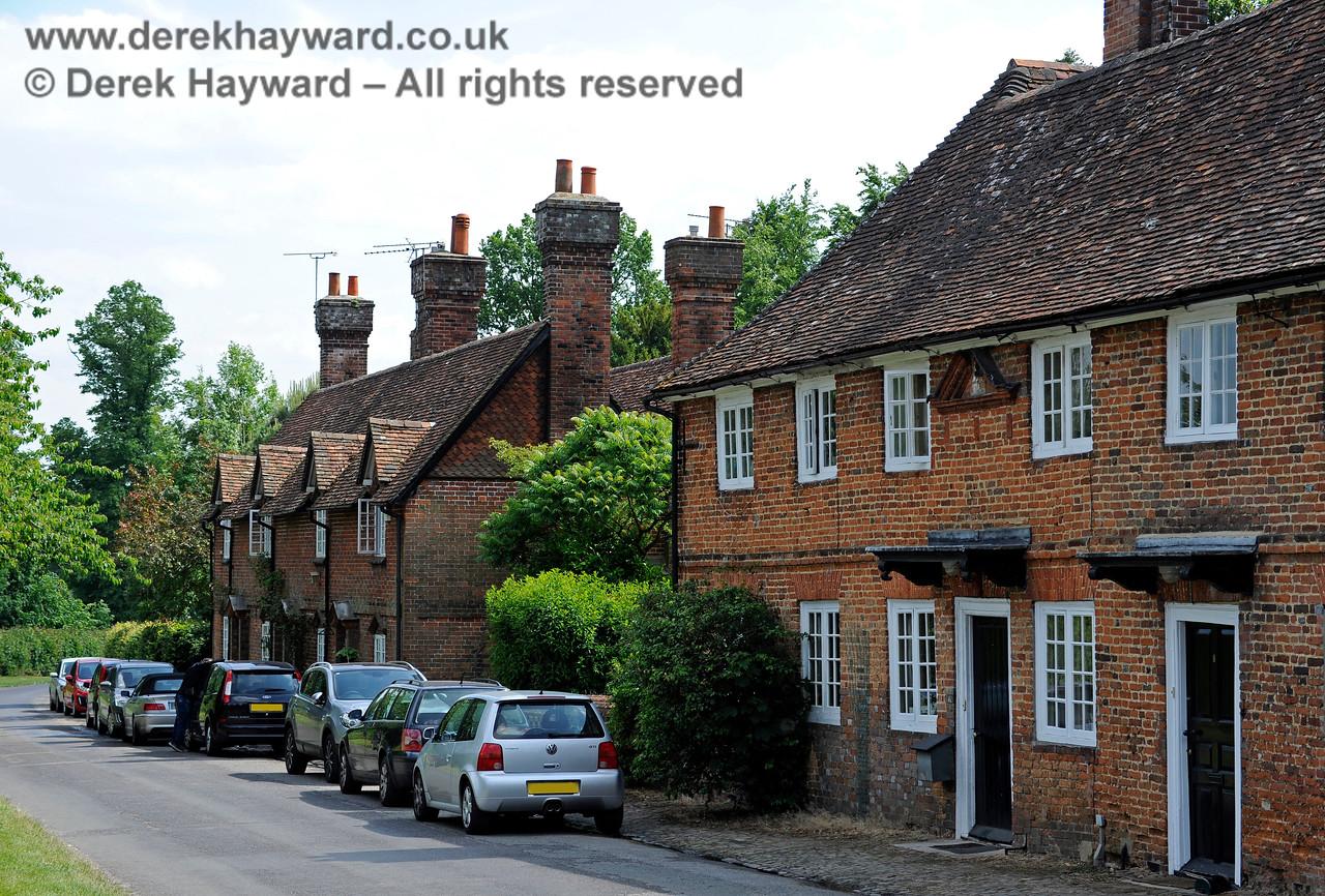 Chevening Estate Cottages.  19.06.2015  11390