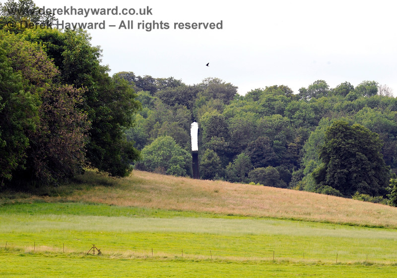 Chevening Estate looking north to The Keyhole.  22.06.2014  9695