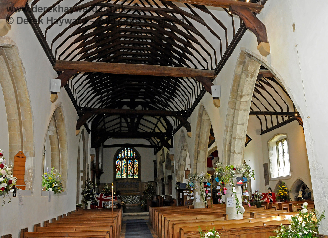 The Nave and North Aisle of St Botolphs Church, Chevening.  19.06.2015  12852