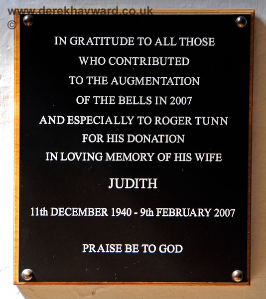 A memorial to Judith Tunn, and an expression of gratitude to everyone who contributed to the augmentation of the bells at St Botolphs Church, Chevening in 2007.  19.06.2015  12864