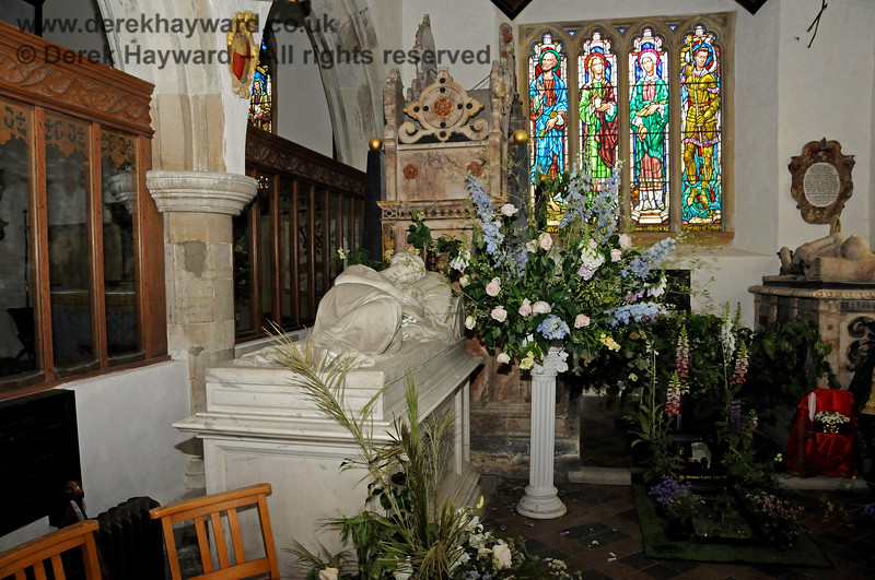 Inside the Stanhope Chantry (Chapel), St Botolphs Church, Chevening.  19.06.2015  12802