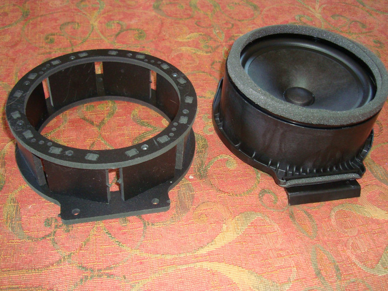 "Compare Adapters – Side View <br> Left –    Aftermarket Speaker Adapter  from  <a href=""http://www.car-speaker-adapters.com/items.php?id=SAK075""> Car-Speaker-Adapters.com</a>     <br> Right – Factory Speaker Adapter with BA 6 x 5 Mid Woofer"