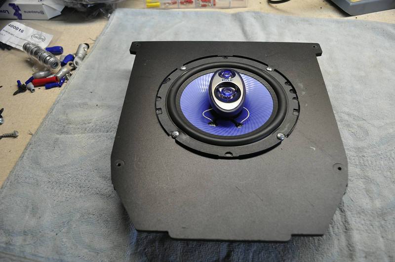 "Aftermarket speaker mounted to speaker adapter  from  <a href=""http://car-speaker-adapters.com/items.php?id=SAK073""> Car-Speaker-Adapters.com</a>"
