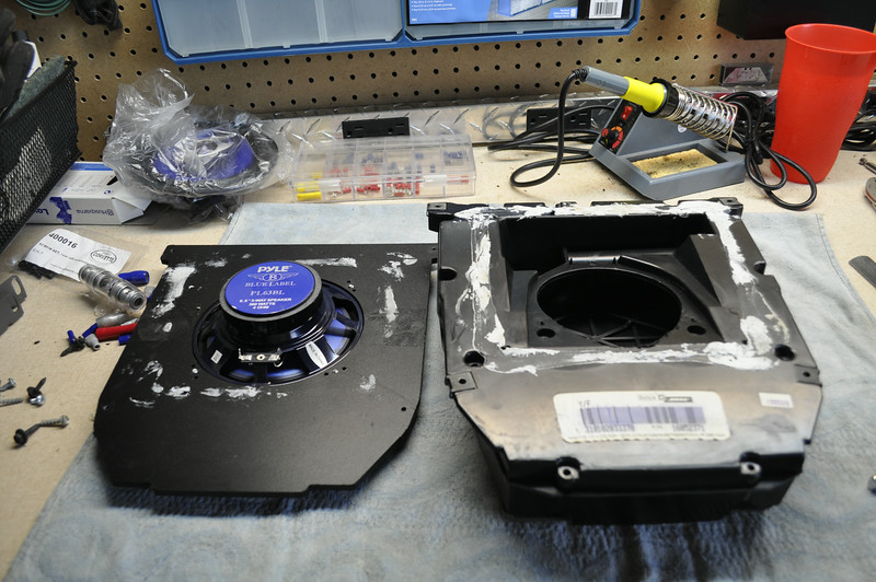 "Left: Aftermarket speaker and speaker adapter from     <a href=""http://car-speaker-adapters.com/items.php?id=SAK073""> Car-Speaker-Adapters.com</a>  <br> Right: OEM enclosure"