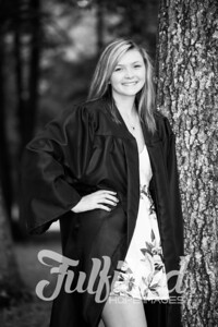 Cheyanne Stevens Cap and Gown Session (35)