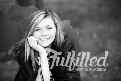Cheyanne Stevens Cap and Gown Session (27)