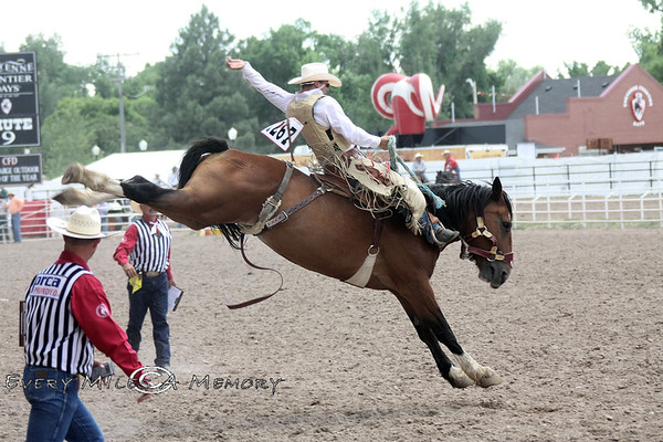 Saddle Bronc & Bareback Riders @ Cheyenne Frontier Days Rodeo 2009