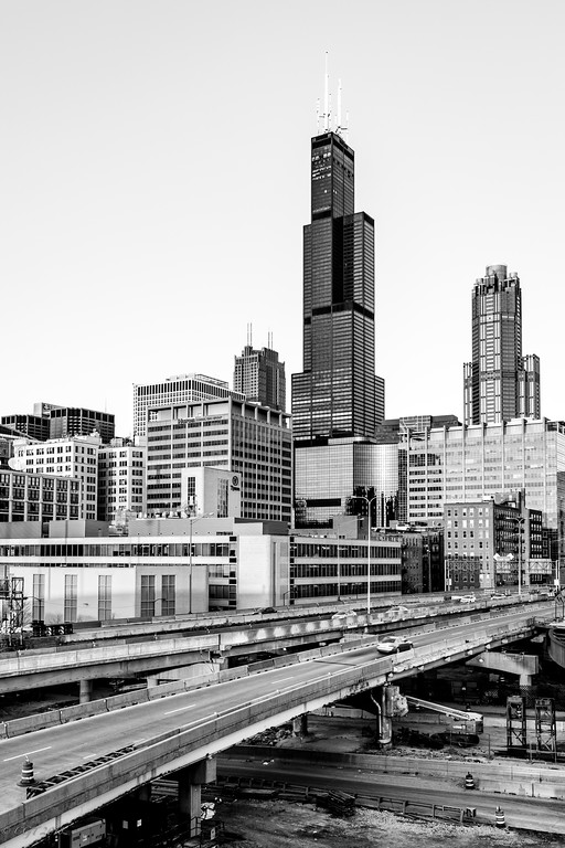 IMAGE: https://photos.smugmug.com/ChiTown/Chicagoing/i-82sKp5f/0/7679a515/XL/2811%20bandw%20edit-XL.jpg