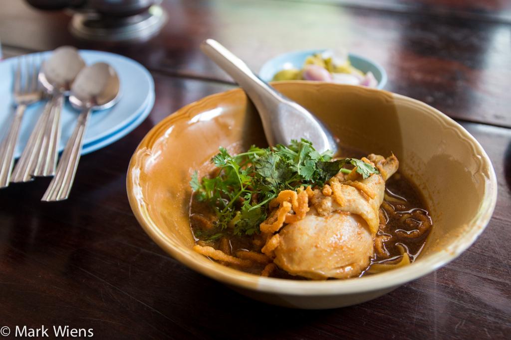 Khao soi (ข้าวซอยไก่)
