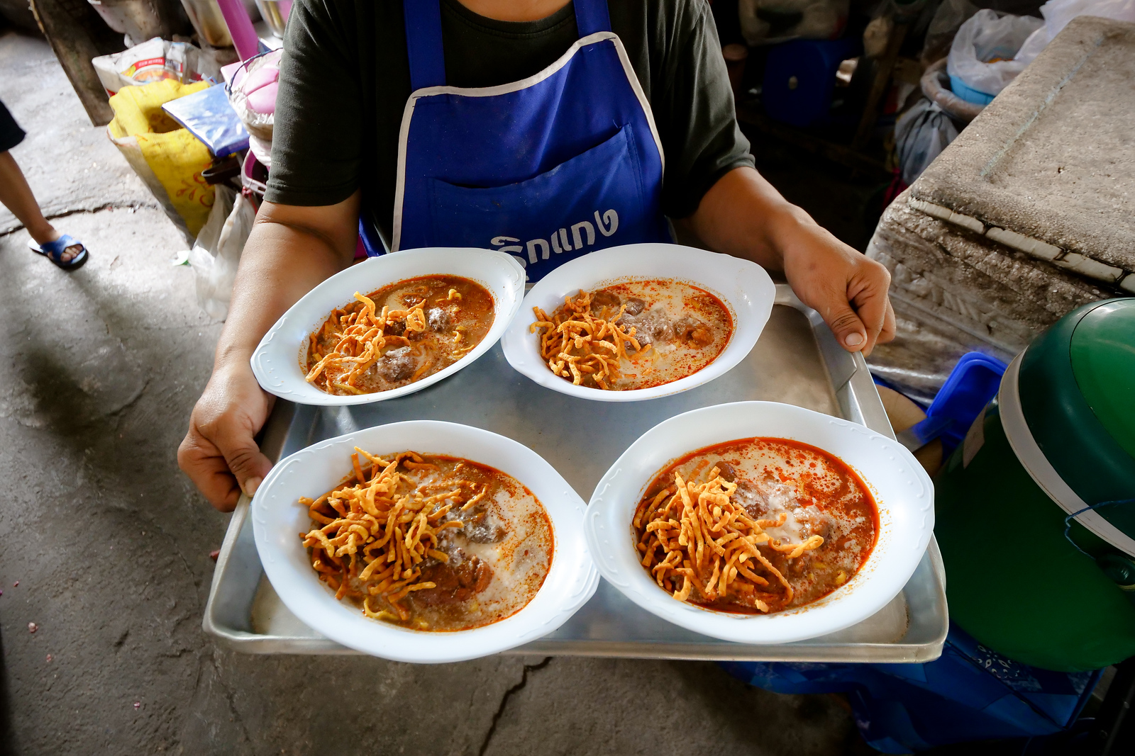 Khao Soi Mae Manee is not only delicious, but also heart-warmingly friendly