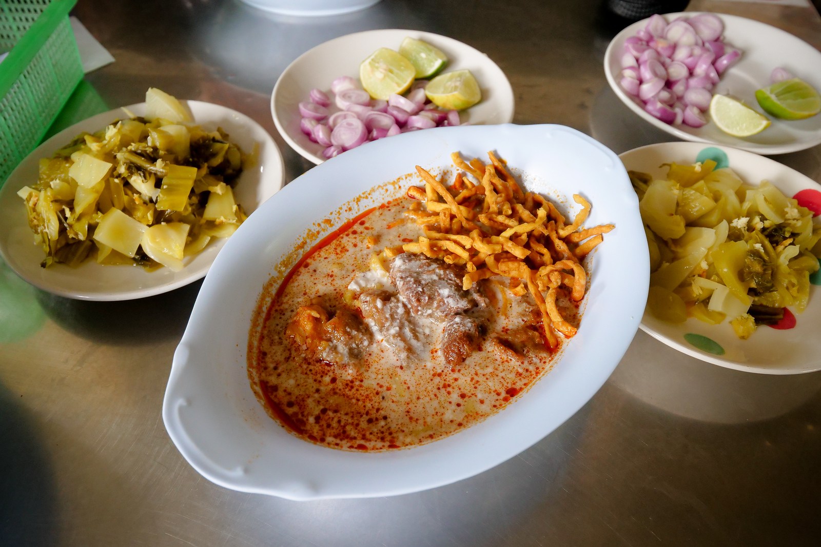 Beautiful Khao Soi at Mae Manees restaurant