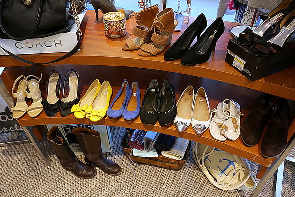 size 40 e6b1e d115c Chic Boutique in Tyngsboro 082216 - mng-low