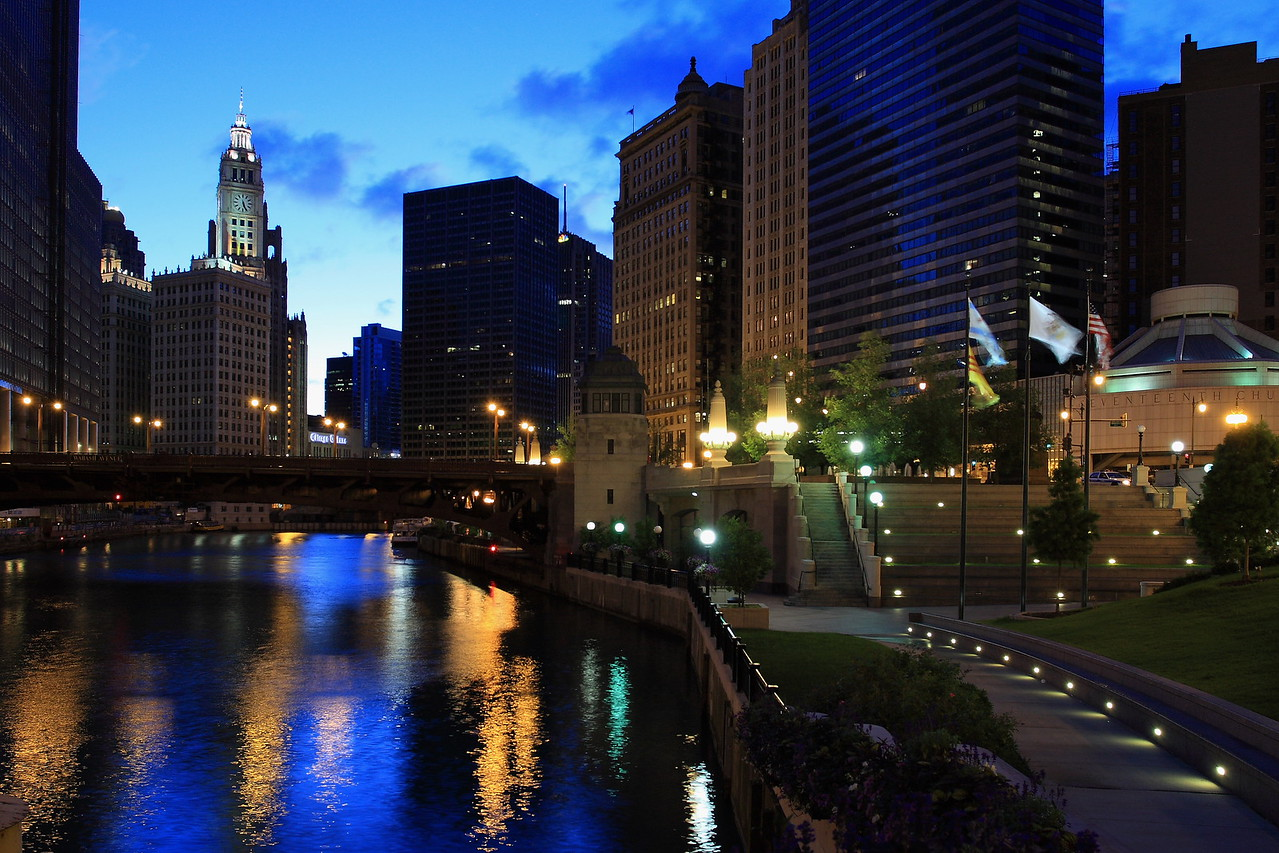 The Chicago Riverwalk, between State and Wabash.