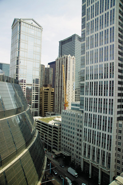 View from City Hall roof the Thompson Center and skyscrapers in loop