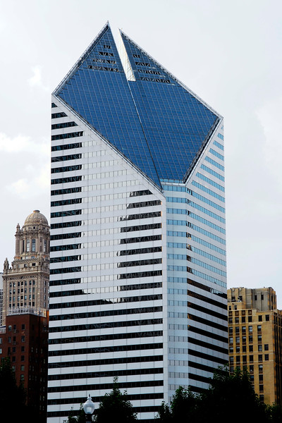 1984 skyscraper at 150 N. Michigan Avenue.