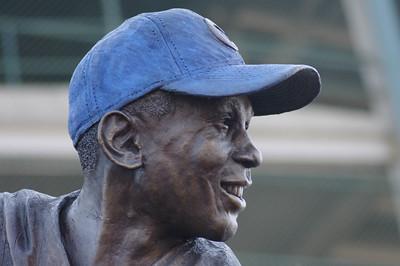 Wrigley Field Statute - Ernie Banks