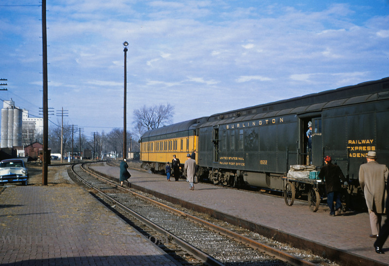 CB&Q 11 - Dec 29 1955 - Railway Postal Car 1922 & G&NW Pullman car Huron on train 48 @ Beardstown Ill - by JIm Ozment