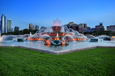 Buckingham Fountain at Dusk, Chicago, Illinois
