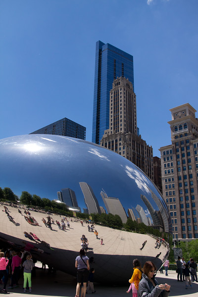 chicago skyline park grill blue sky mirror sun plaza millenium park summer