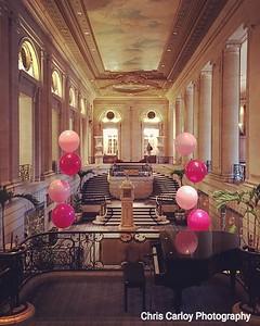 Hilton Chicago, Lobby