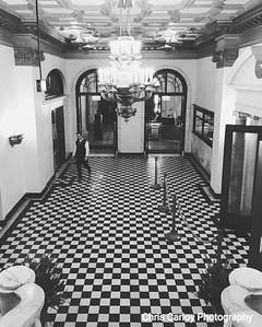 Chicago Athletic Association Hotel, Lobby