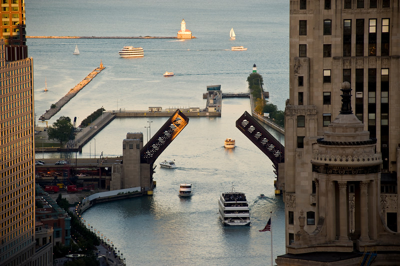 Tour boats head into the mouth of the Chicago River from Lake Michigan
