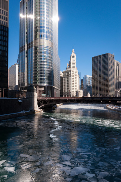 The Chicago River and Wabash Bridge in winter