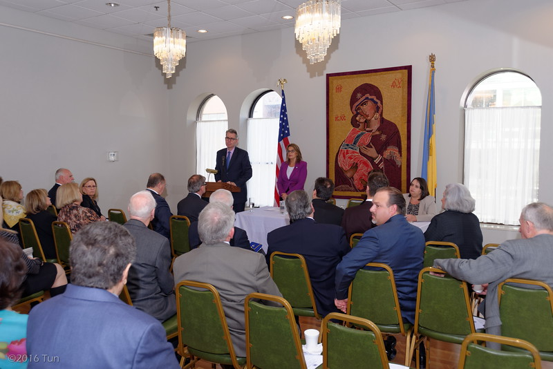 United States Ambassador to Ukraine Geoffrey Pyatt meets with representatives of the Ukrainian American community Lithuanian community