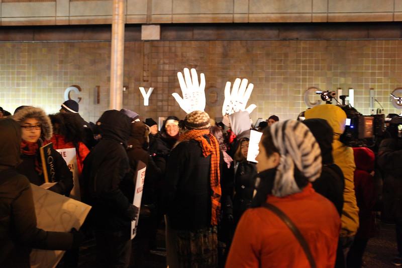 Chicago activists await Ferguson decision