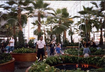 1999-5-1 18  Navy Pier