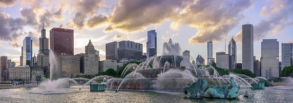 Buckingham Fountain and cotton candy sunset