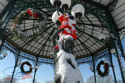 Lincoln Square gazebo, December 2006