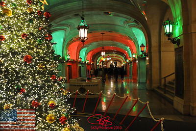 Chicago City Hall concourse.  Christmas 2010