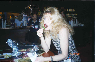 2000-5-20 Restaurant Show-Strawberry