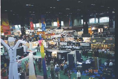 2000-5-20 Restaurant Show 15