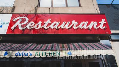 Restaurant neon in Oak Park