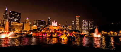 Buckingham Fountain and the Chcago skyline