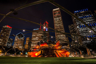 Looking at the Chcago skyline from Millennium Park